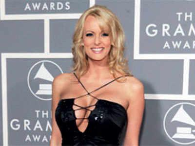 Trump's lawyer paid porn star 'own money'