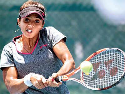 Ankita loses in singles qualifiers