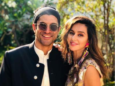 Shibani Dandekar wishes 'better-half' Farhan Akhtar with a romantic post