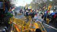 Tractor rally: Confrontation between farmers and Delhi Police at several points