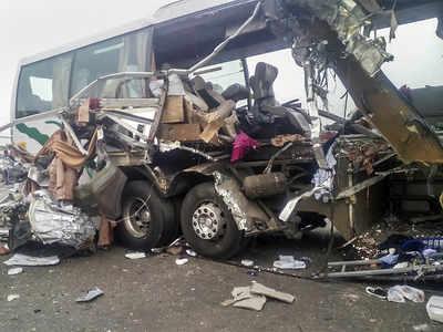 19 killed as truck rams into bus in Tamil Nadu