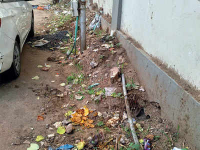 This Satellite stretch has not seen swachhta in 2 yrs