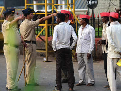 Farmers Protest: Mumbai police at Mantralay kept protesters at bay
