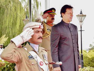 Imran bats for India-Pak dialogue, calls Sidhu 'ambassador of peace'