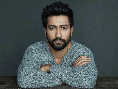 Vicky Kaushal posts throwback pic with Shah Rukh Khan, says dreams do come true
