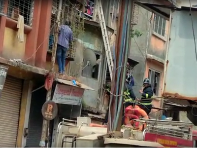 Ulhasnagar: Five trapped, 11 rescued after building slabs collapse
