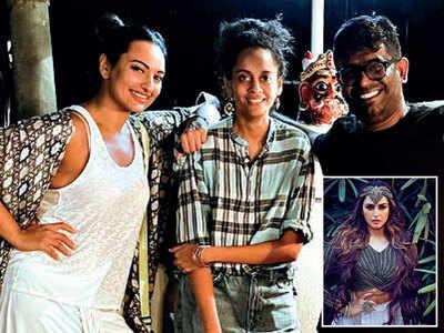 Sona and Huma's social banter
