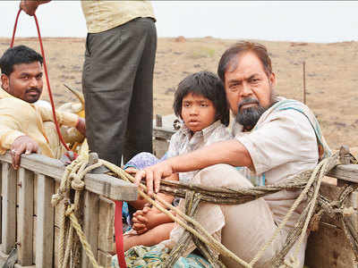 Khichik movie review: This Anil Dhakate, Yash Khond-starrer is strictly average