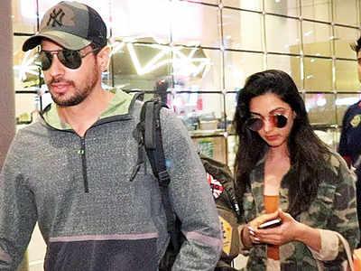 New couple alert? Sidharth Malhotra-Kiara Advani, Tara Sutaria-Aadar Jain return from their respective holidays