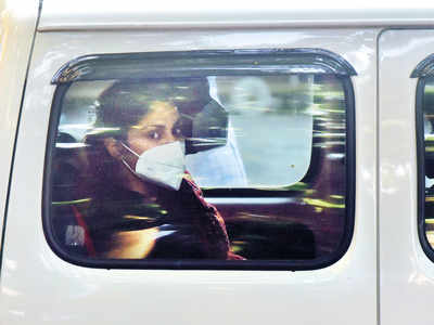 Rhea Chakraborty jailed but top NCB investigator says no proof of her involvement in any drug cartel,  charged only with consumption