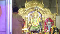 Watch: Morning 'aarti' performed at Jhandewalan Temple on 5th day of Navratri