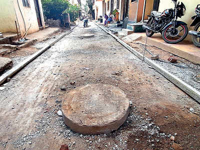 Missing! 1 contractor and many labourers to finish Hadapsar road