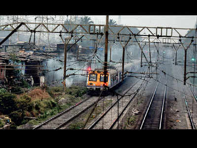 7,000 illegal shanties pose threat to commuters: GRP