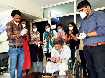 It's candles, cake and halwa for 83-yr-old who beat Covid-19