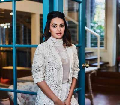 Swara Bhasker blasts troll for shaming Veere Di Wedding co-star Kareena Kapoor Khan