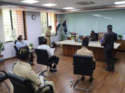 Thane: Anil Deshmukh meets top officials to discuss COVID-19 situation, law and order in the district