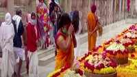 People offer prayers for world peace in Bihar's Bodh Gaya
