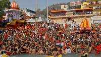Third 'shahi snan': Thousands gather at Kumbh Mela in Uttarakhand's Haridwar, amid surge in Covid-19 cases