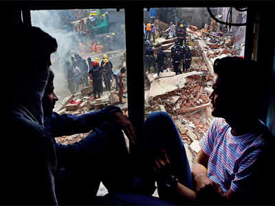 Mumbai building collapse: Bhendi Bazar residents refuse to leave dilapidated buildings, risk their lives alleging SBUT's casual agreement
