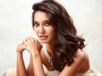 Lisa Haydon announces that she is pregnant with second child