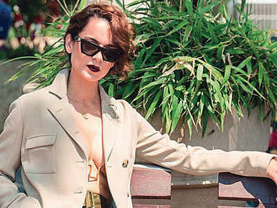 Kangana Ranaut to turn director for her own life story