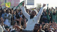 'Blasphemous' Pak minister quits under pressure from Islamists
