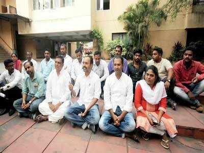 Cops raid several Kabir Kala Manch activists' houses
