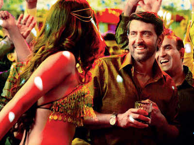 Super 30 track 'Paisa' is an ode to those who start earning money after years of struggle