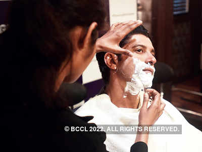 Farhan Akhtar gets clean shaved at an event