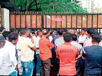 Chembur residents block Adani office over outage