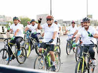DGP, UP leads a cycle rally to drive home a point in Lucknow