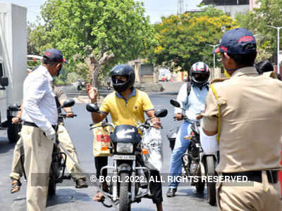 Mumbai: Man assaults traffic cop after flouting rules in Mulund, arrested