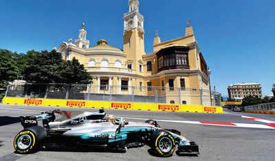 Lewis overtakes Senna