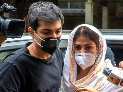 Sushant Singh Rajput case: CBI grills Rhea Chakraborty, brother Showik for third consecutive day
