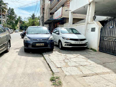 The Towns Mirror Special: Parking is full