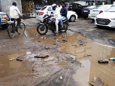 NGO finds 83 potholes between Bandra and Dahisar