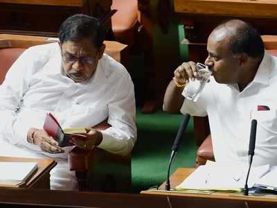 Karnataka crisis: Governor Vajubhai Vala asks Chief Minister HD Kumaraswamy to prove majority before 6 pm