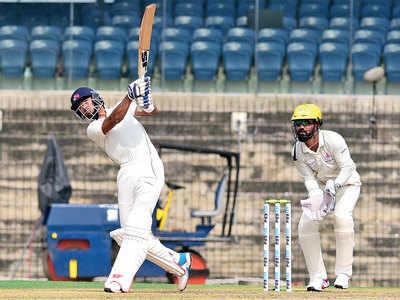Aditya Tare twinkles for Mumbai against Tamil Nadu