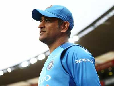 MS Dhoni dropped from BCCI's central contracts list; Virat Kohli, Rohit Sharma, Jasprit Bumrah in top grade