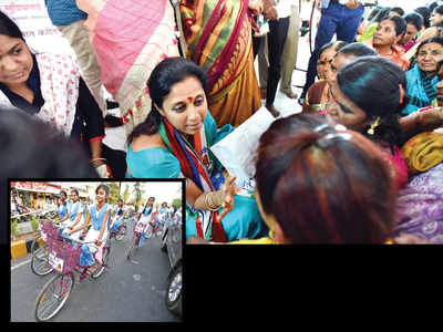 Supriya Sule's last mile before polls witnesses her humble touch to connect directly with voters