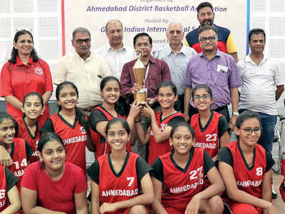 Ahmedabad hoopsters suffer mixed fortune