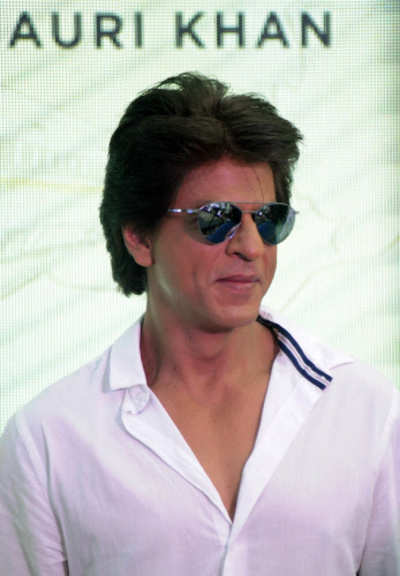 Jab Harry went home: Shah Rukh Khan takes his kids to visit old DDA flat in Delhi