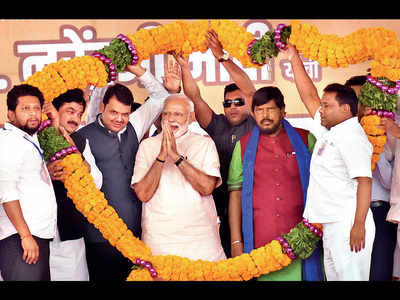 PM Modi goes all out at Ahmednagar, launched a virulent attack on the Opposition