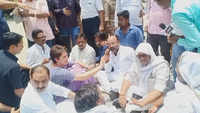 Priyanka Gandhi stopped by UP Police on her way to Sonbhadra