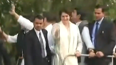 Priyanka Gandhi roars into UP with roadshow to enthuse Cong workers