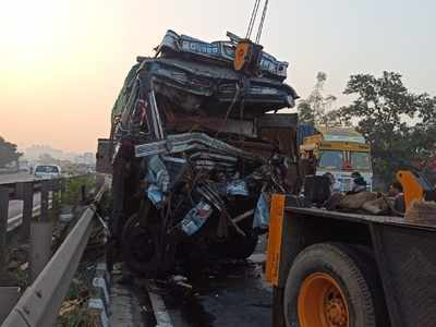 Two accidents on Mumbai-Pune express highway; 3 dead, 10 injured