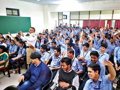 Traffic dept ropes in NCC, NSS volunteers to man congestions