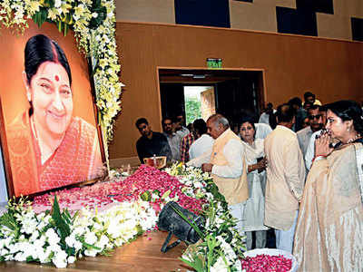 What made the former EAM, Sushma Swaraj, so popular with the masses?