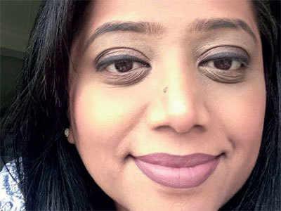 39-year-old NRI woman conned of jewellery, cash in Gurukul