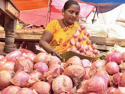 Govt to import 1 lakh tonne onions